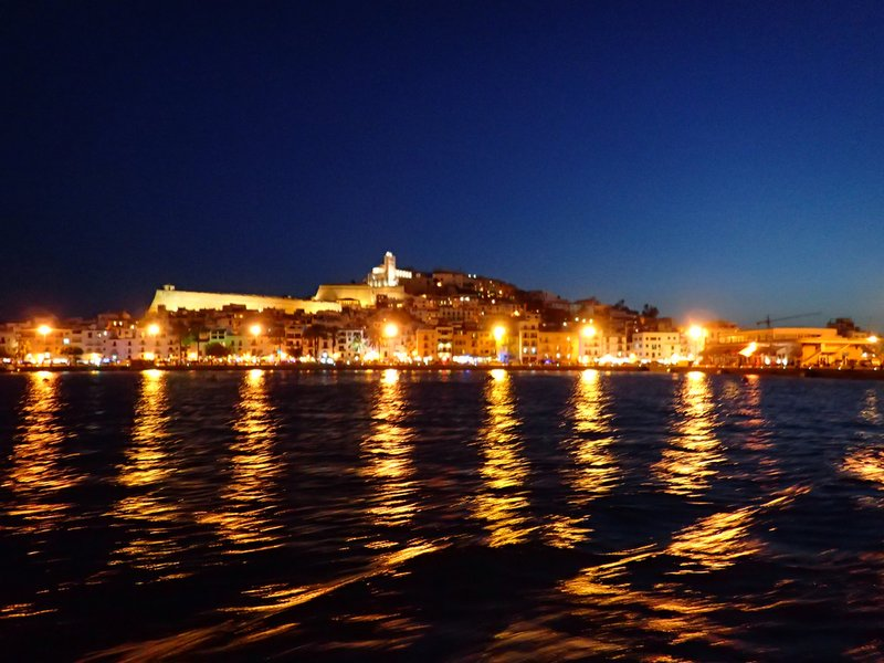 [Translate to English:] Ibiza City by Night